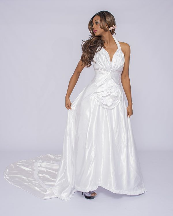 Cathedral Train Wedding Dress3